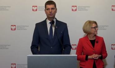 2016-11-19-minister